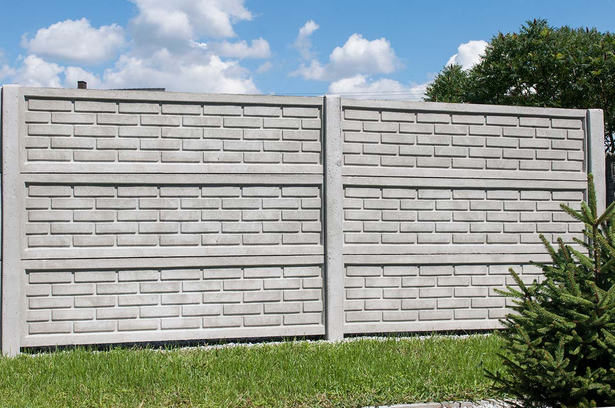 Model 32 - One-sided solid concrete fence, Legnica